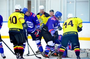 "2017-05-05 ""Вольфрам"" - ""Маяк-Сибна"" НХЛ Сочи 2017 Круг. Стадия"